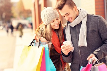 Holiday Shopping Near One Greenway